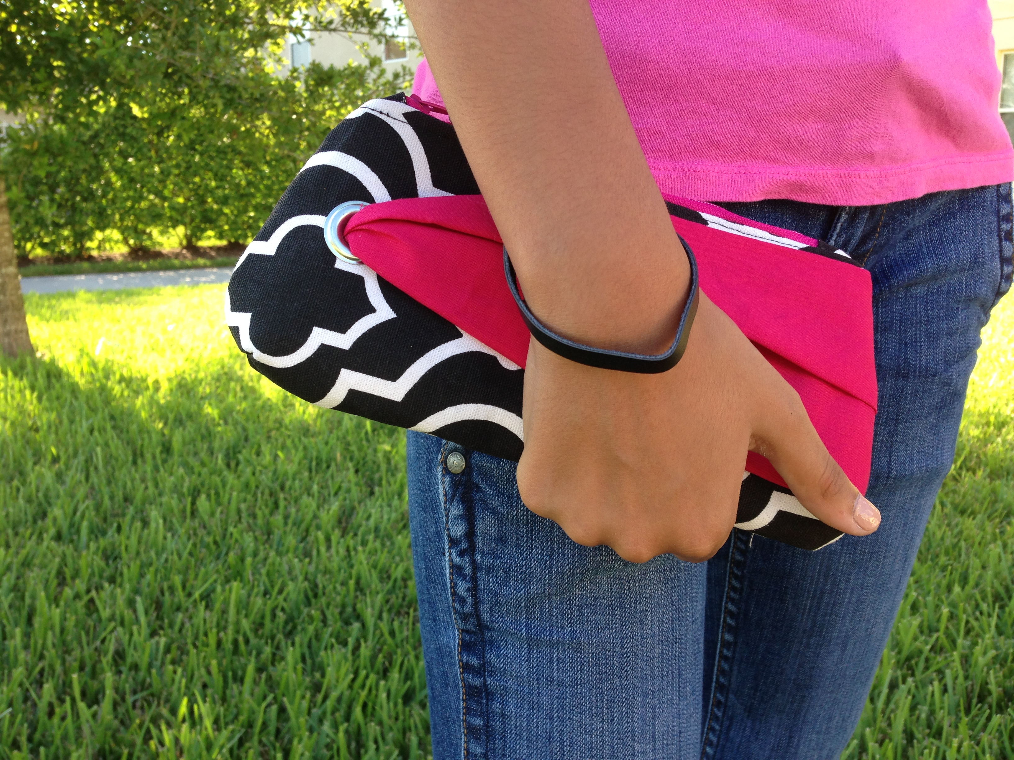 Tuxedo Wristlet in Pomegrante for on the go / by wanda lopez designs
