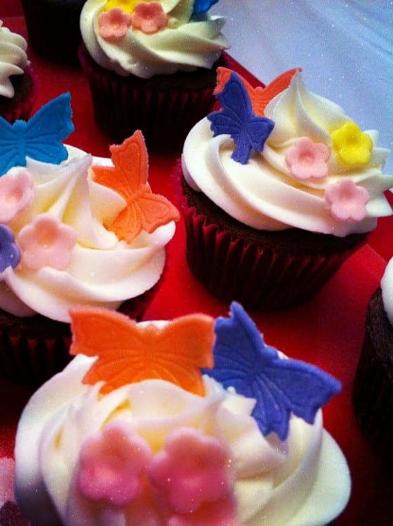 Happy Birthday / cupcakes with butterflies and flowers / by My Sweet Zepol for WLdesigns #birthday