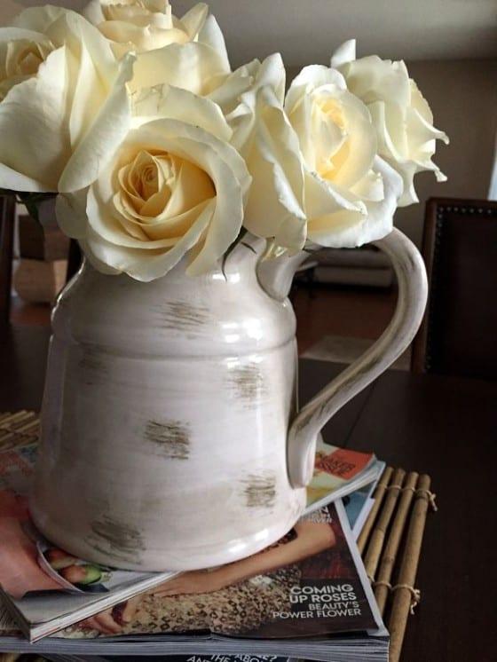 Fresh White Roses / from Wanda Lopez Designs studio space #freshflowers #blossoms #WLD
