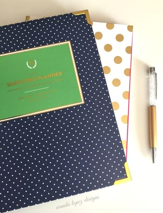 Capture your ideas with a golden dots Kate Spade and a Simplified Planner from Emily Ley / Stay Creative! #wandalopez /  #WLD /