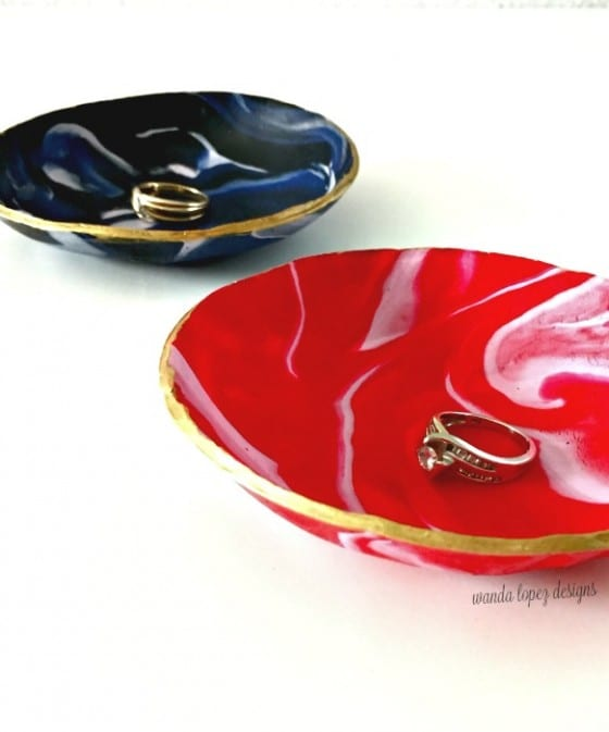 Jewelry Ring Dish made with oven bake clay, a great diy to make at home and give away. Easily customizable. / by Wanda Lopez Designs - blog / #gift #diy