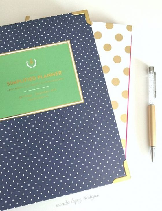 Simplified Planner by Emily Ley / blog post: 5 Desktop Must Have / if you have a desk you need this items / they are functional, girly and you want them in your life /